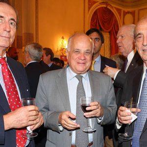 Juan Javier Negri (NEGRI & PUEYRREDON), Ubaldo Aguirre (LAFARGE HOLCIM ARGENTINA) Y Ricardo Arriazu (ARRIAZU Y ASOC.)