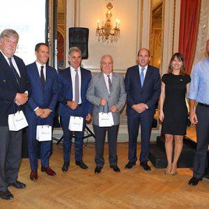 Premio De FIRMENICH, Entregado Por Fernando Bekes