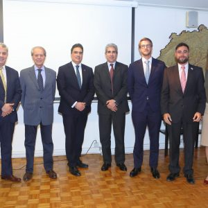 Leandro Bel (Nestlé), Rodolfo Dietl (CCSA), Embajador Hanspeter Mock, Victor Rodríguez (Novartis), Hector Pourtalé (Roche) , Juan Perez Naufel (ABB) Y Cecilia Dibarbora (CCSA)