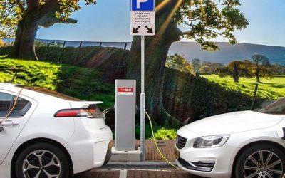 ¿Estacionamientos verdes para recargar baterías?