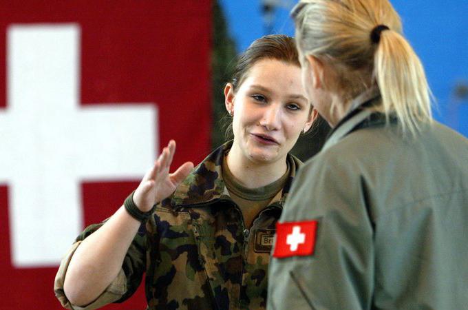 Más mujeres en las FFAA suizas