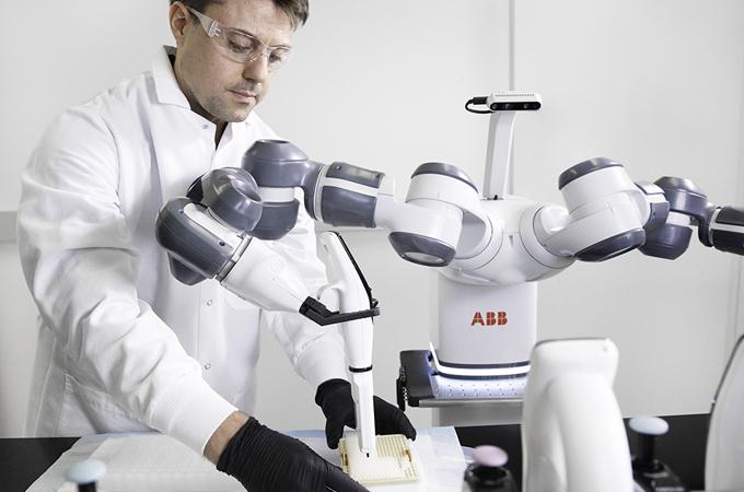 ABB Lanza El Concepto De Robot Móvil De Laboratorio Para El Hospital Del Futuro